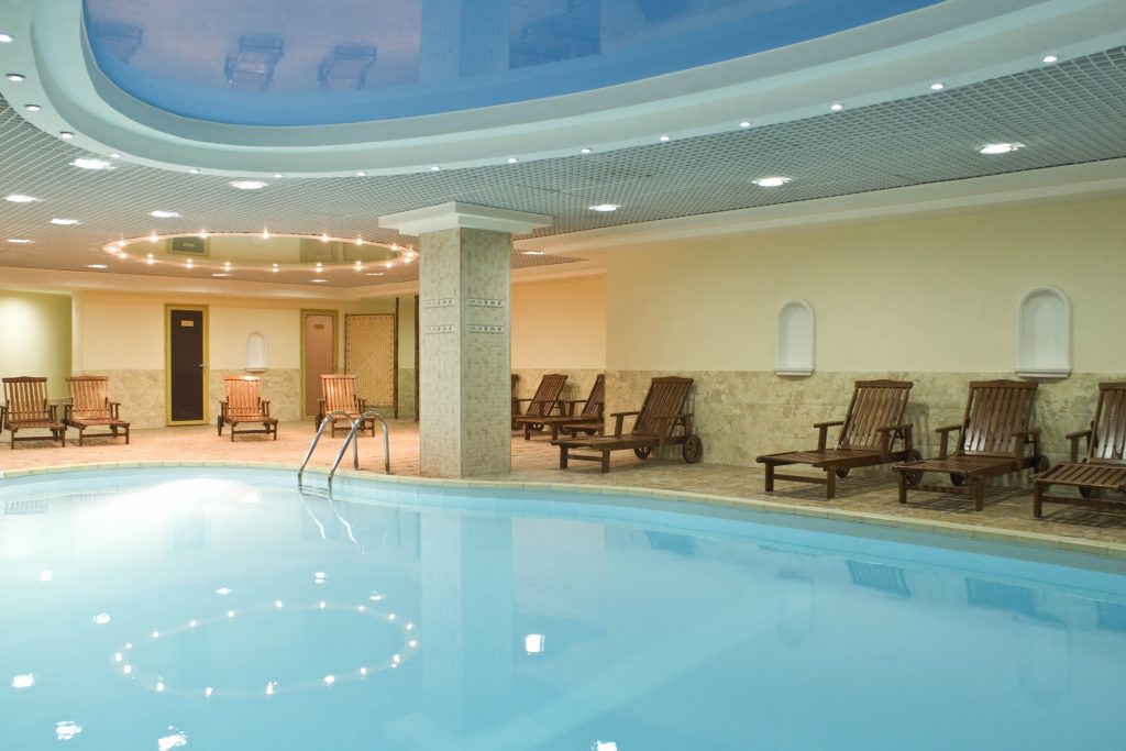 Hotels near me with indoor pool